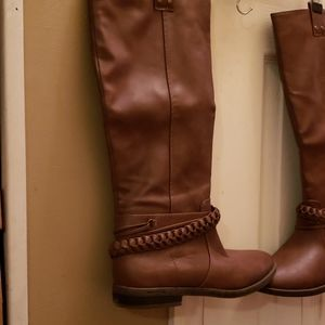 Rampage Boots size 8 Brown